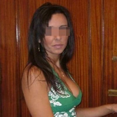 Libertine sexy veut trouver un black bien chaud à Caen