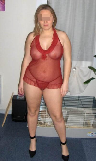 Femme très chaude veut pomper un beau membre à Amiens