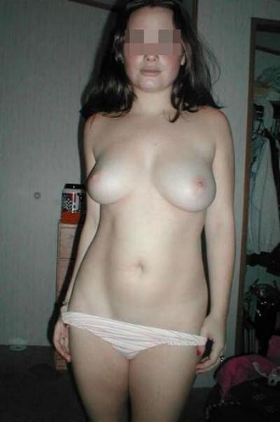 Femme assoiffée de sperme aimerait sucer une grosse queue sur Lille